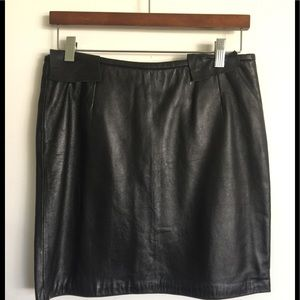 Lined leather mini skirt